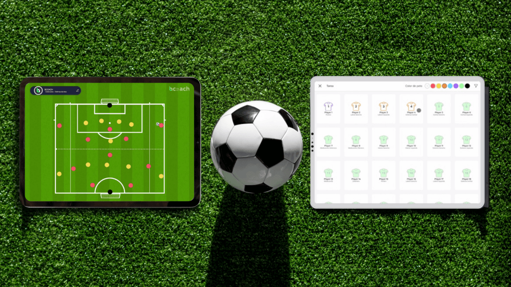 Campo de juego con dos tablets y un balón.